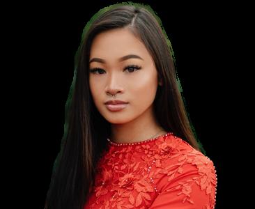 Headshot of Alyvia Luong (2021 Photography)